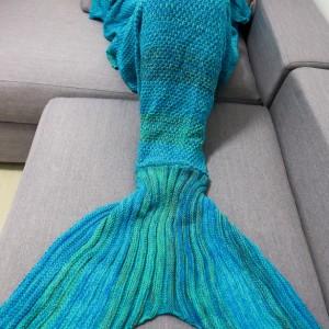 pletena-prakticka-tepla-deka-morska-panna-1