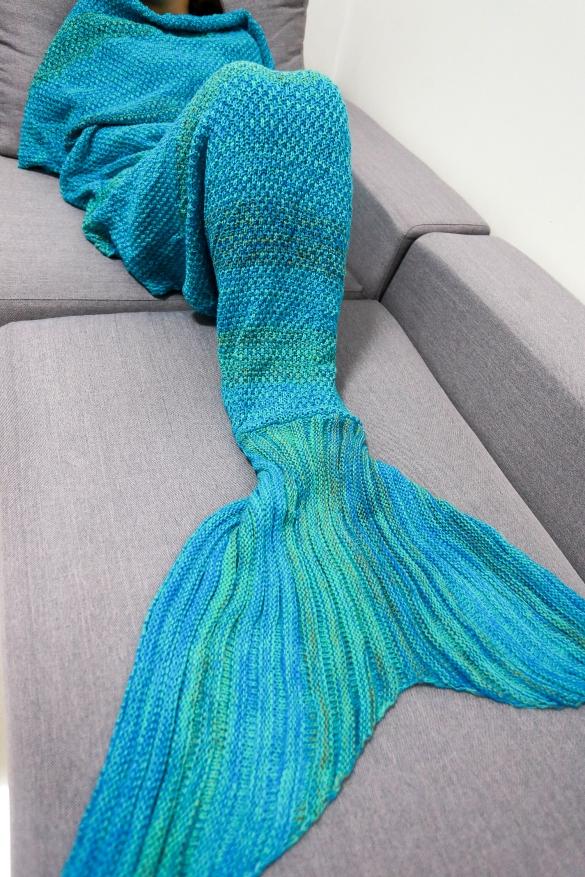 pletena-prakticka-tepla-deka-morska-panna