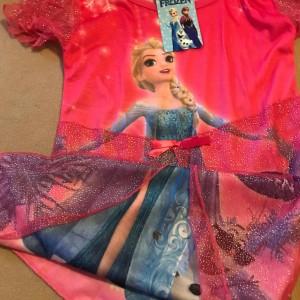 ruzove-saty-ledove-kralovstvi-frozen-Elsa
