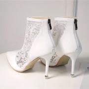 damske-elegantni-stylove-letni-bile-krajkove-boty-s-podpatkem-s-plnou spickou-1