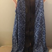 damsky-modrytop-tunika-bez-rukavu-s-krajkou-se-vzorem-1
